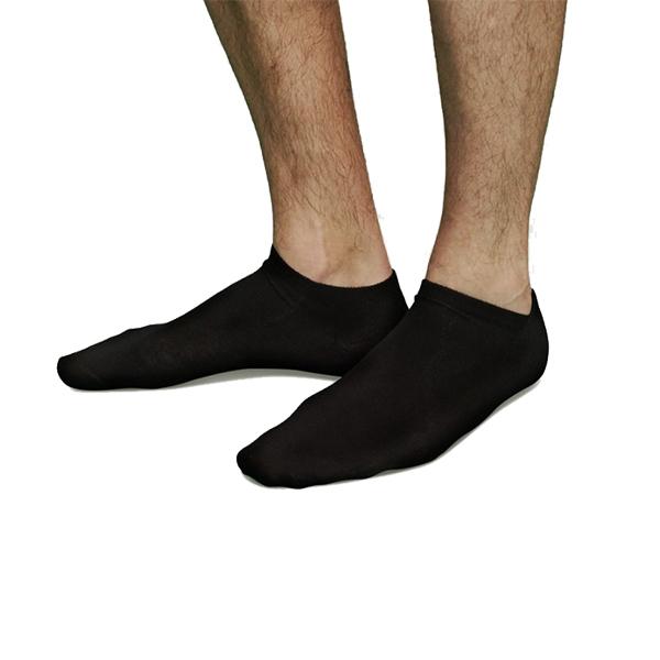 chaussettes noires courtes