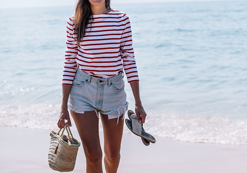 From beach to city : la marinière rouge made in France