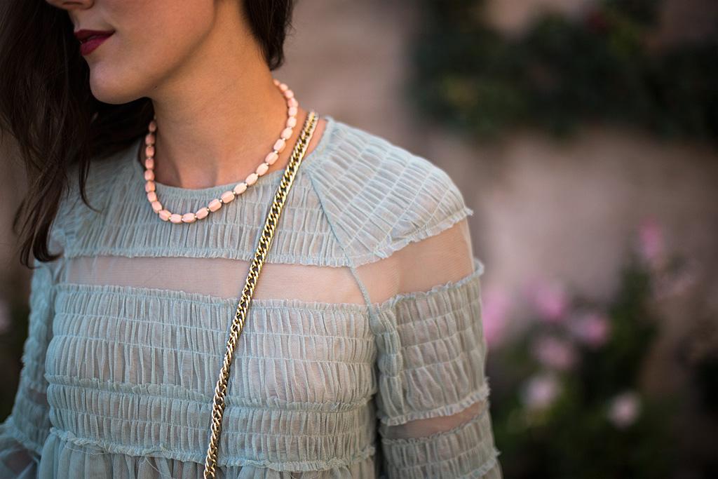 Collier vintage pour une mode durable et responsable | Bloomers.eco (Château de Coppet, Suisse)