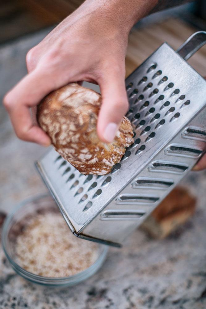 chapelure zéro déchet zéro gâchis avec du pain rassis