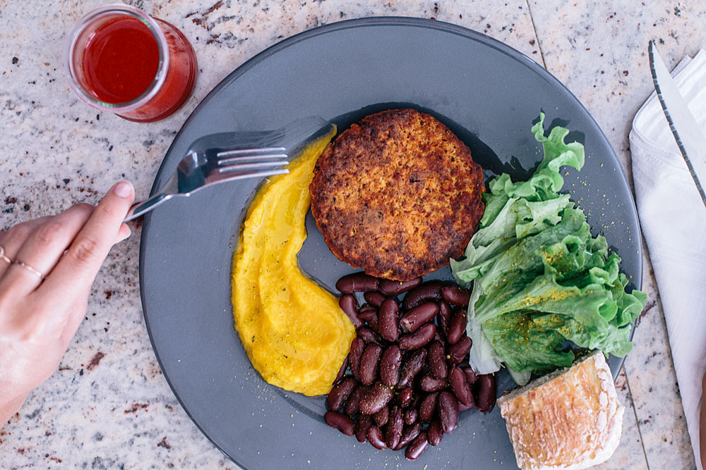 Cuisine zéro déchet : Steak végétal à base de fibres rejetées par l'extracteur de jus