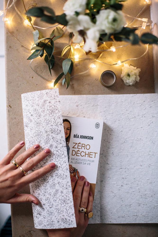 papier cadeau ensemencé + livre sur le zéro déchet | Bloomers.eco
